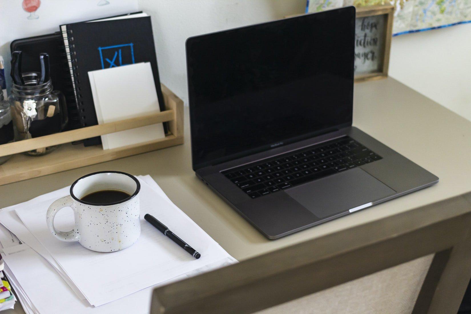 ¿Cómo comprar un portátil para trabajar y jugar dentro mi presupuesto?